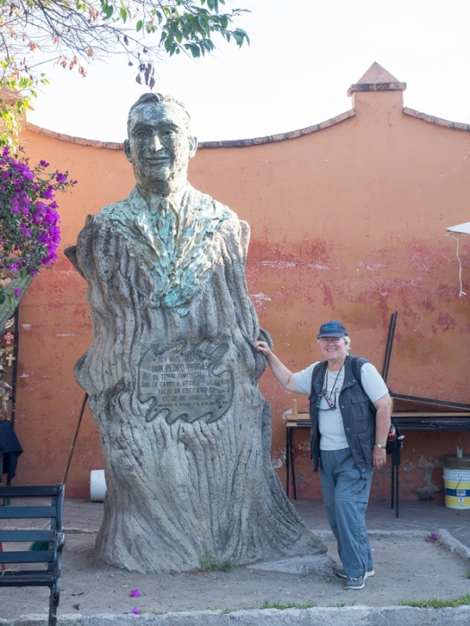 Pedro Vargas statue (https://en.wikipedia.org/wiki/Pedro_Vargas)
