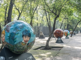 Soccer ball art along the Paseo de la Reforma.