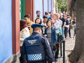 The line at Casa Azul