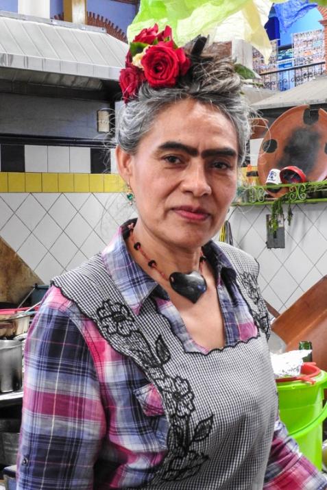 La Cocina de Frida - She impersonates Frida Kahlo