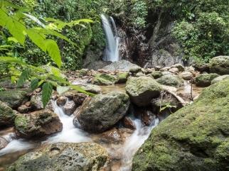 Waterfall, Parque Nacional Cerro Azul Meámber