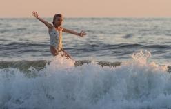 OMG! I'm surfing!